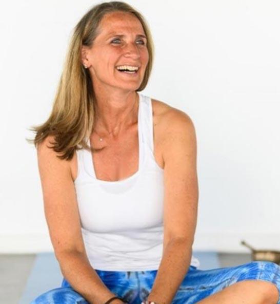 Eva von Schalscha – Yogalehrerin ∙ Personal Yoga Trainerin ∙ Meditationsleiterin ∙ Studioinhaberin