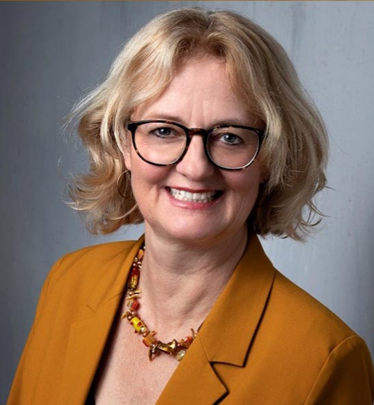 Ines Wirth – Ayurveda-Expertin ∙ Psychologischen Ayurveda-Beraterin ∙ Gewürz-Sommelière