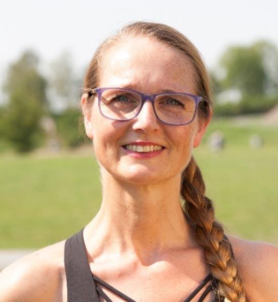 Nicole Kulka – Physiotherapeutin ∙ Yogalehrerin ∙  Pilates Trainerin ∙ Physiotherapeutin ∙ Personal Trainerin